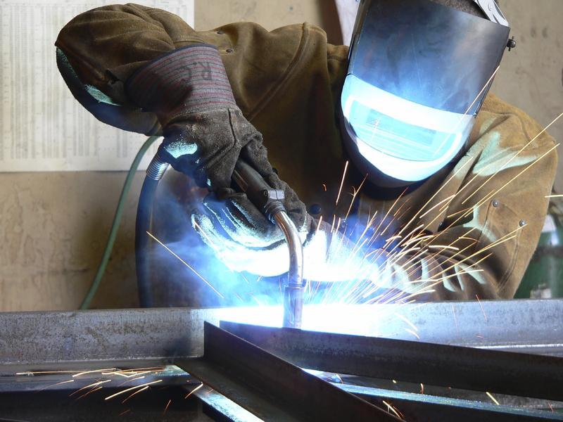souder le métal déployé, maille metal soude, encadrer métal déployé, metal soudé sur cadre