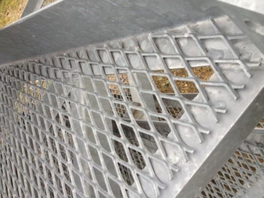 métal déployé galvanisé à chaud, maille galva, façade acier galva