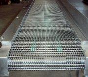 Convoyeur, tapis transporteur, conveyor, metal deploye 62x30