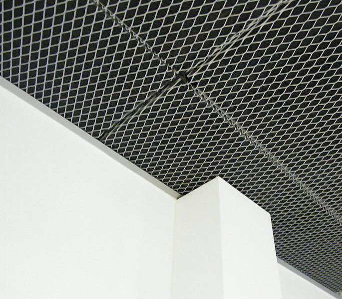 Utilisation en plafond m tallique m tal tir tiss solutions - Faux plafond resille metallique ...