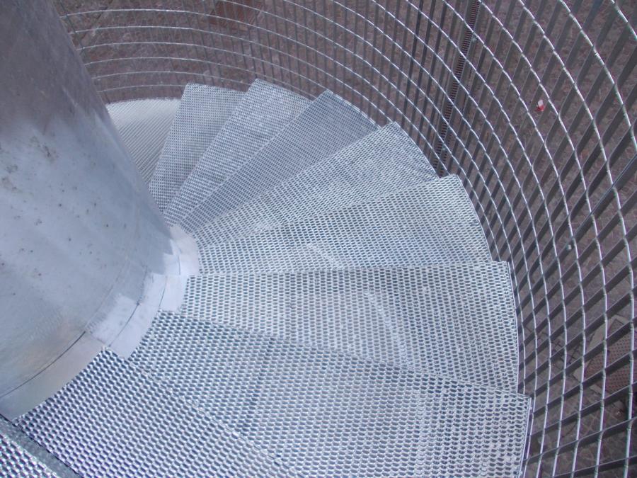escalier métal déployé