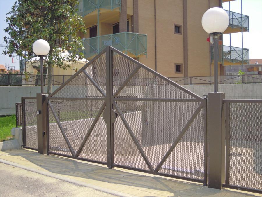 clôture métal déployé