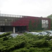 B&B, facade en métal déployé