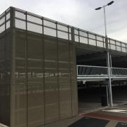 parking métal déployé aluminium